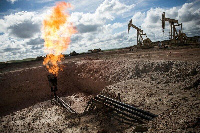 Photo-the-dark-side-North_Dakota_Oil_Drilling_005-XLbis
