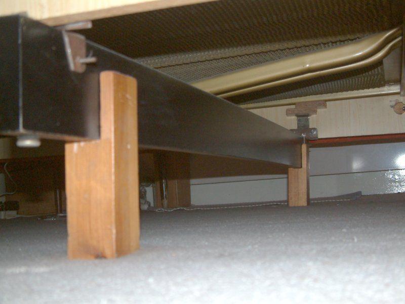 Rehausser un lit bricolage pour handicap - Comment surelever un lit ...