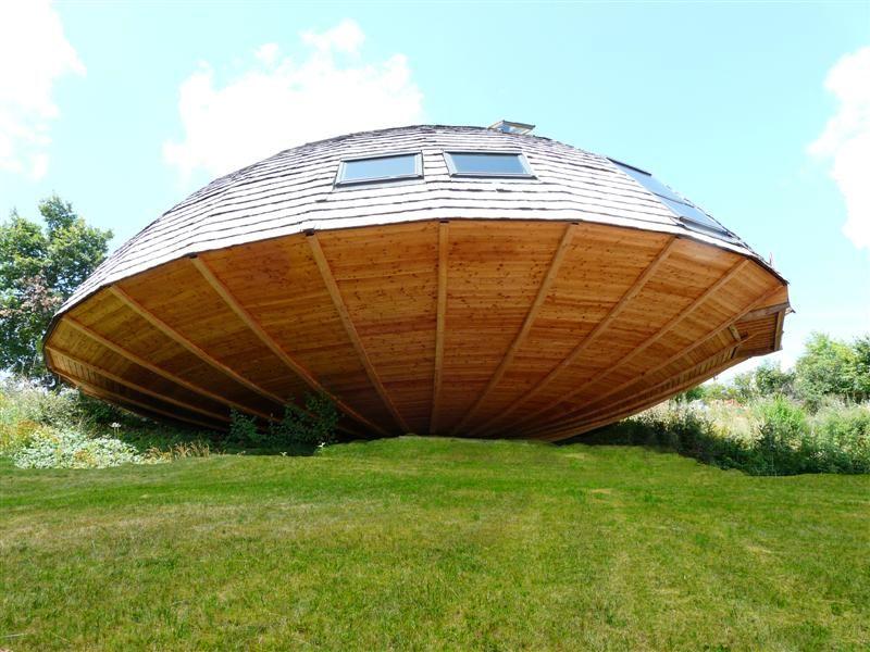 Contacter l 39 auteur val rie cuisine et voyage for Maison dome en bois
