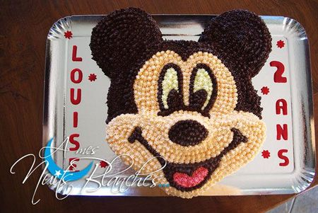 Faire un gateau mickey