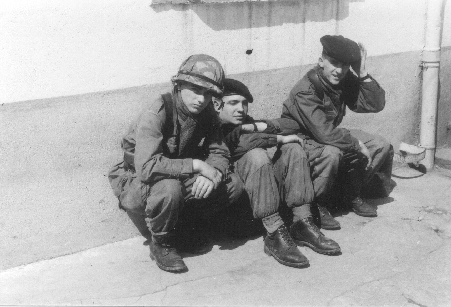 1ère cie de combat 2ème section 4. Robert Sonnet, Patrick Tissandié, Gérard Villaume