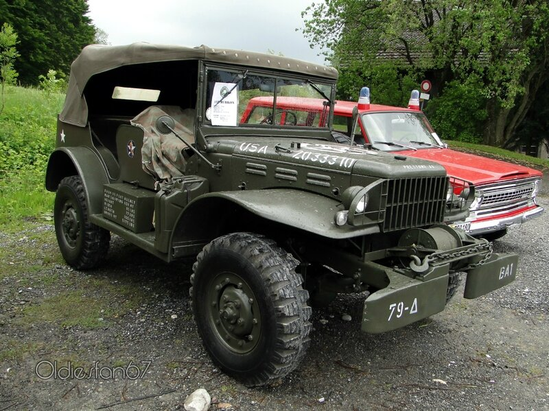 dodge-command-car-1943-01