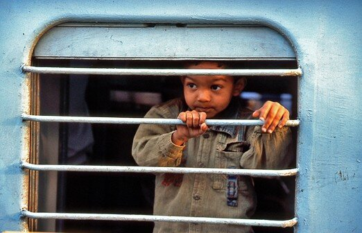inde_bombay_enfant_train
