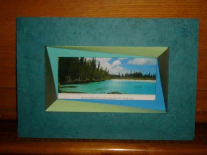 encadrement de carte postale album photos les cr as de s vye. Black Bedroom Furniture Sets. Home Design Ideas