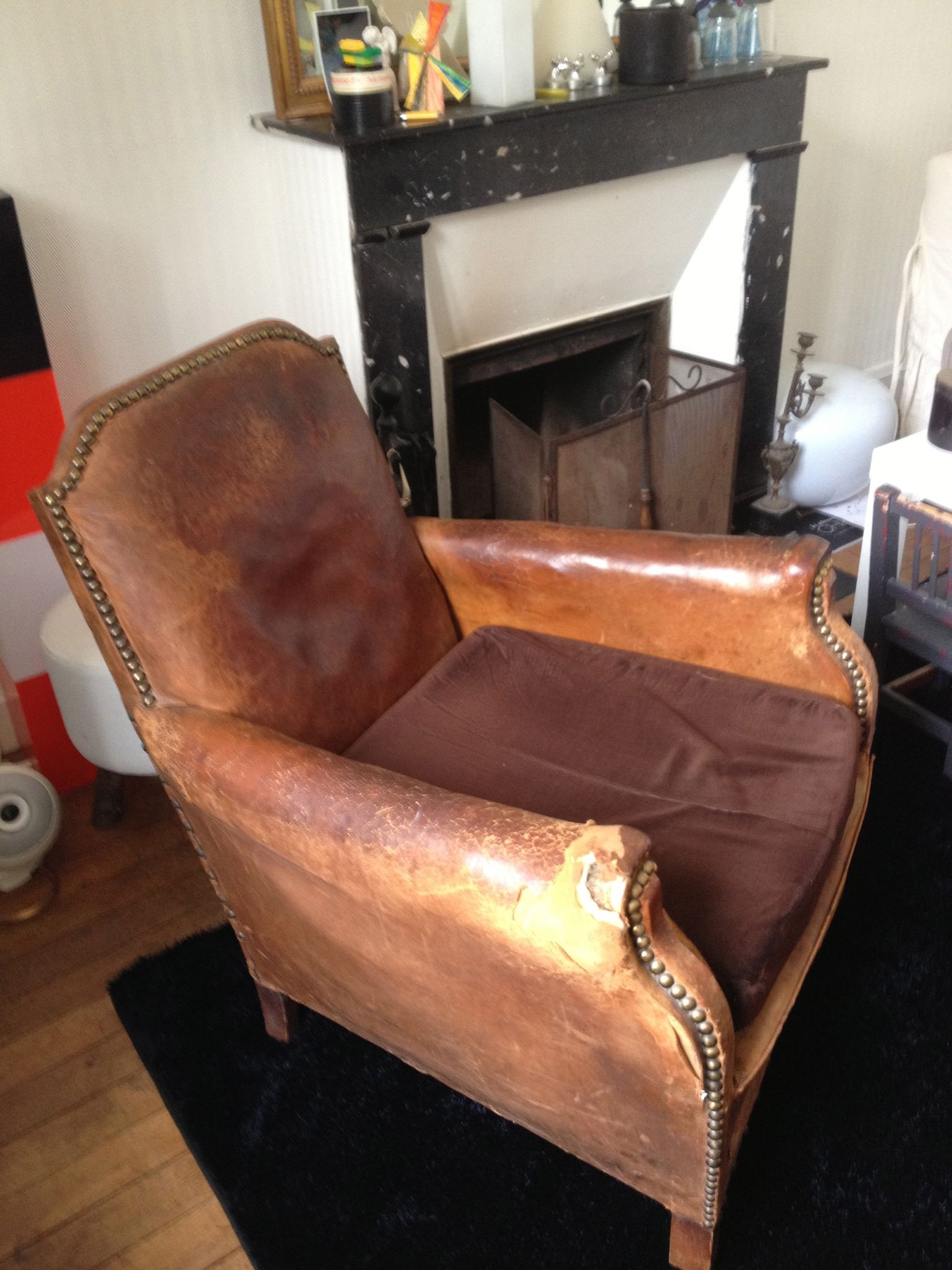 vieux fauteuil club clout dans son jus vendu ma brocante nantes. Black Bedroom Furniture Sets. Home Design Ideas
