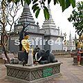 323_Kompong Cham_pagode en bordure du Mékong