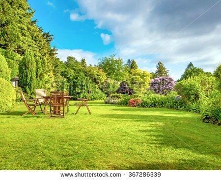 jardin stock-photo-english-garden-in-late-summer-367286339