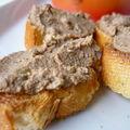 Pétits patés de foies de volaille aux anchois et aux câpres