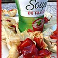 Coupelle filo et sa garniture de mangue-soupe de fraises