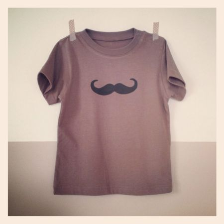 ts moustache 18m t 2012 (1)