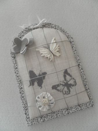 cage_aux_papillons_des_petites_croix