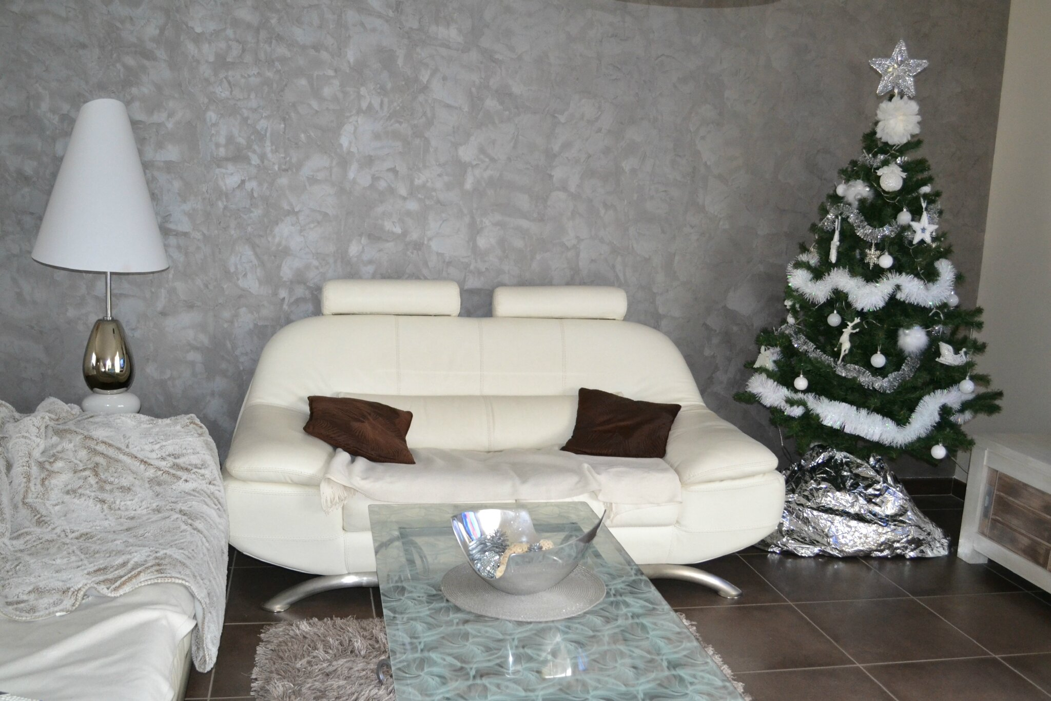 mon noel blanc et argent chez lilypouce. Black Bedroom Furniture Sets. Home Design Ideas