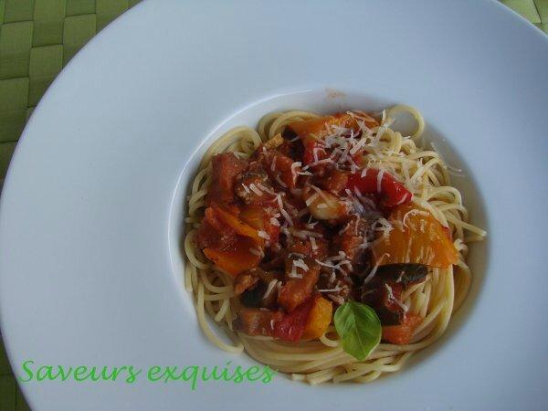 Spaghetti, sauce aux légumes