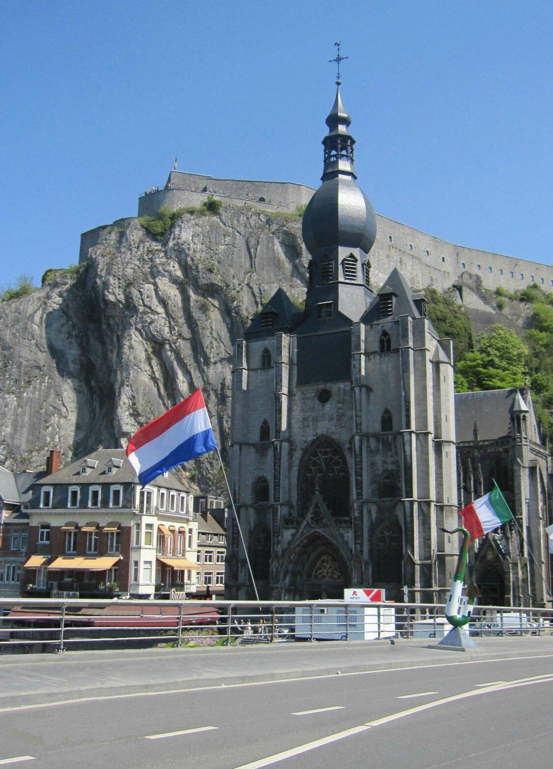 dinant en belgique tourisme