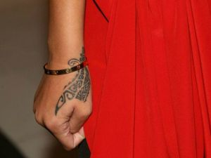 rihanna-tatoo-main1