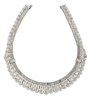 A_DIAMOND_NECKLACE_2