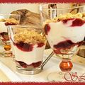 Crumble de fruits rouges sur lit de fromage blanc