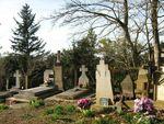 Cimetière église de Vals Ariege Pierres tombales crucifix tombes 800x600 (6)