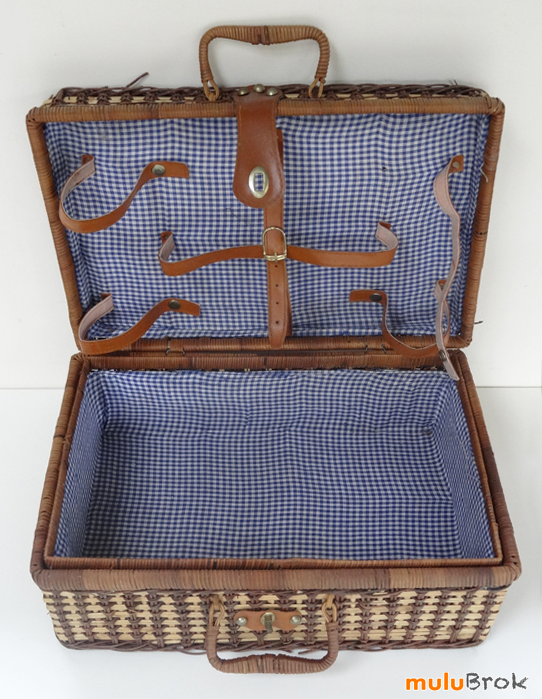 vintage valise pour pique nique osier rotin mulubrok brocante en ligne. Black Bedroom Furniture Sets. Home Design Ideas