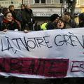 Manifestants prônant la grève à Nicolas Sarkozy