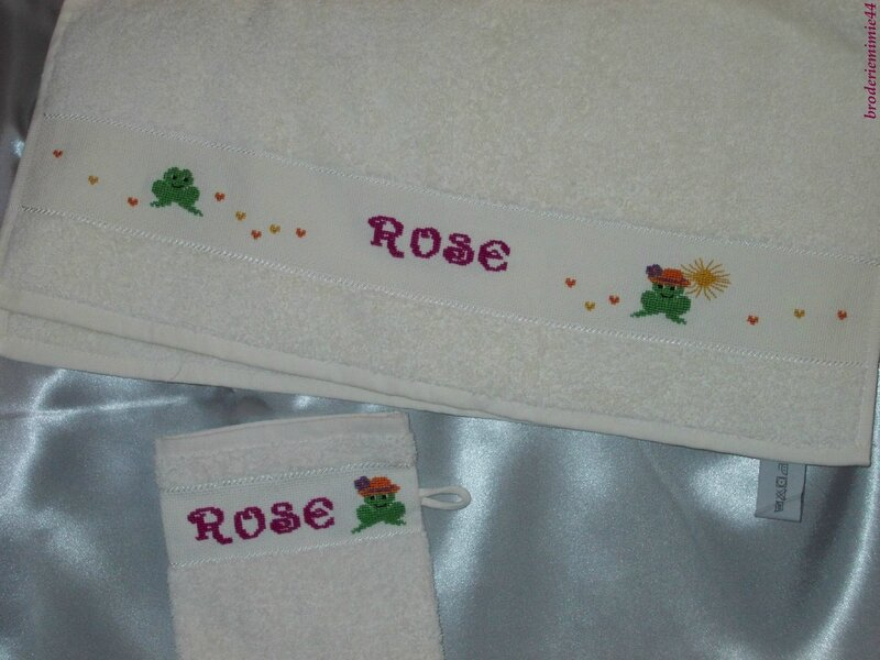 SERVIETTES DE TOILETTE ROSE