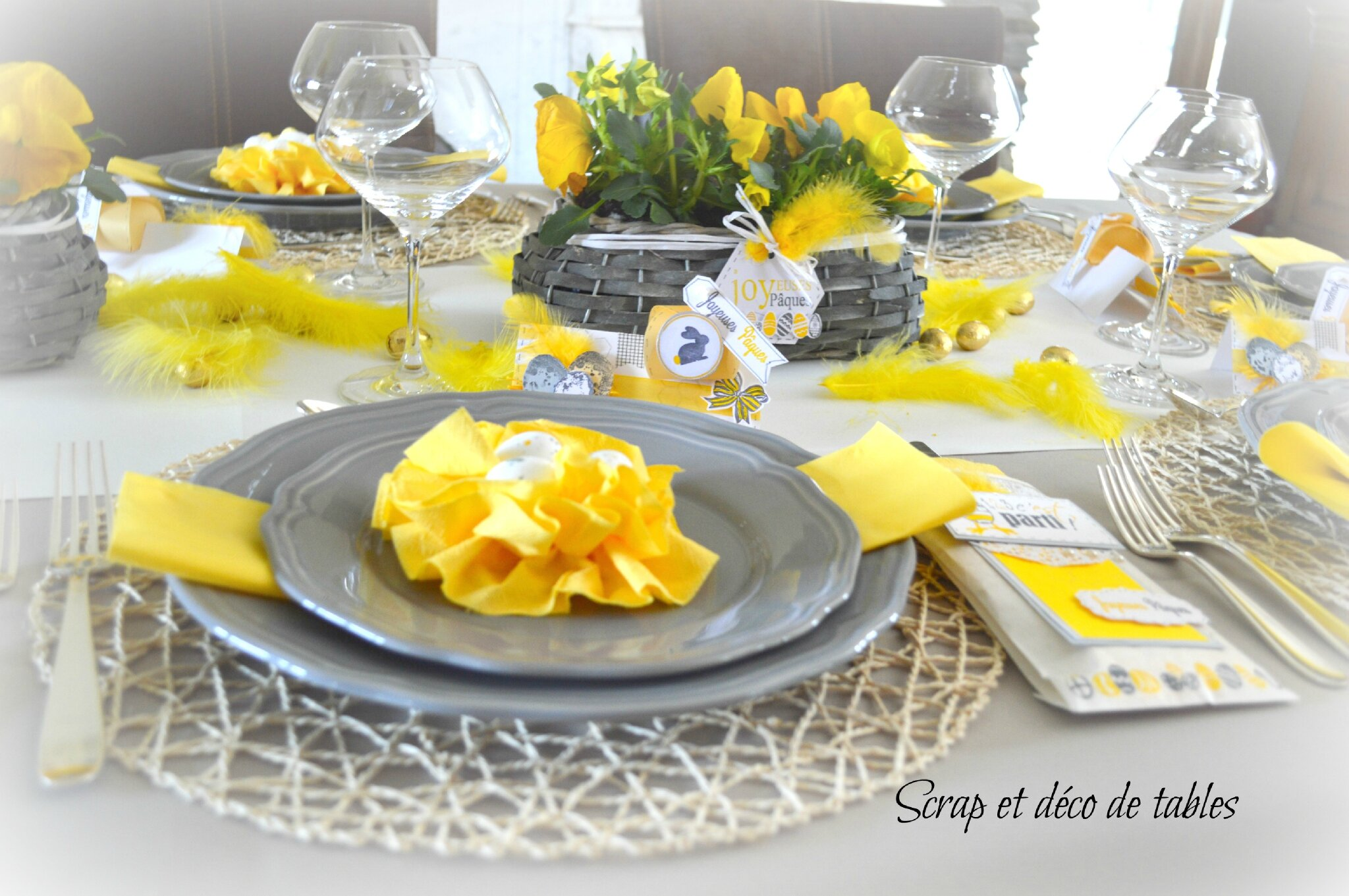 Decoration de table pour p ques 2015 scrap et d co de tables for Decoration 31 decembre