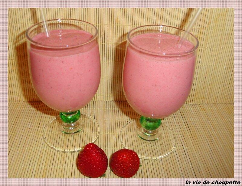 smoothie fraises-lait amande vanillé-9434