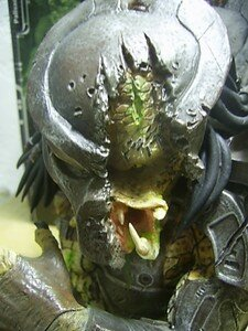 Predator_Defeated_mini_bust2