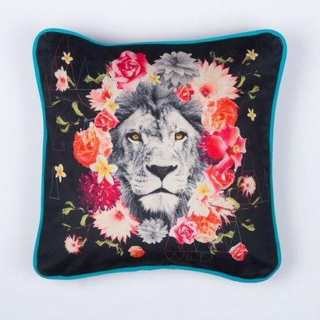 coussin-déco-lion-fleurs