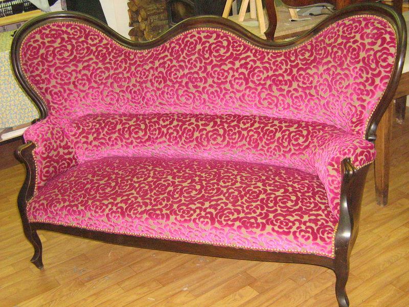 renovation d 39 un canape suite et fin l 39 empreinte d. Black Bedroom Furniture Sets. Home Design Ideas