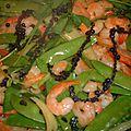 Gambas sautées à l'ail et au poivre noir frais - gung pad prik youk thailande
