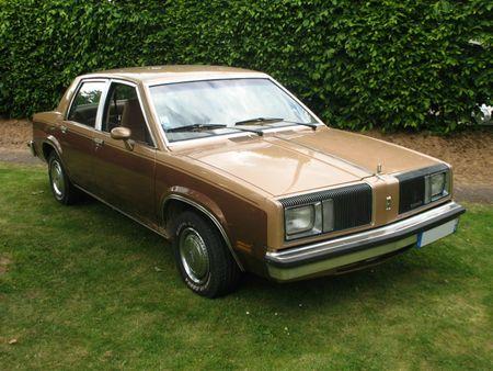 OldmobileOmegaSedan1981av1