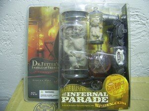 Clive_Barker_s_Infernal_Parade_Family_of_Freaks
