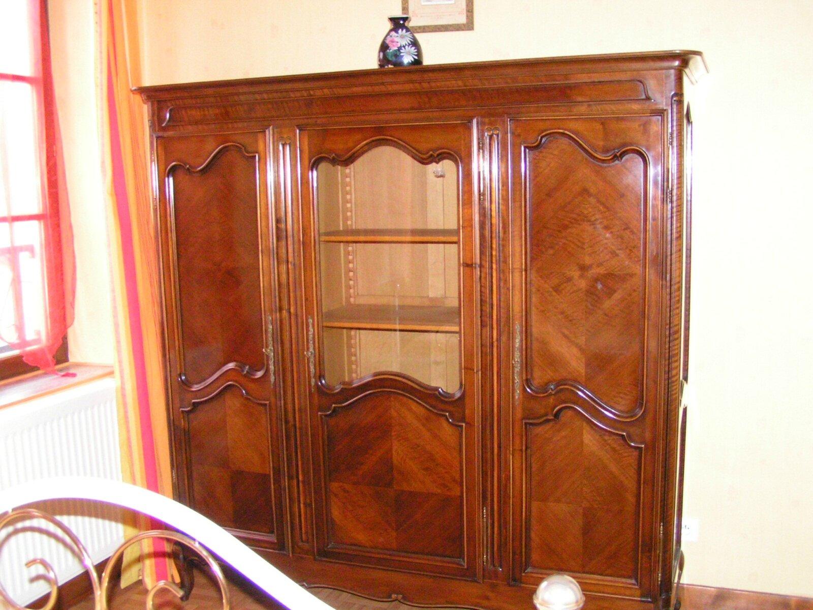 nettoyer des meubles anciens cosm tons avec les fleurs de notre jardin. Black Bedroom Furniture Sets. Home Design Ideas