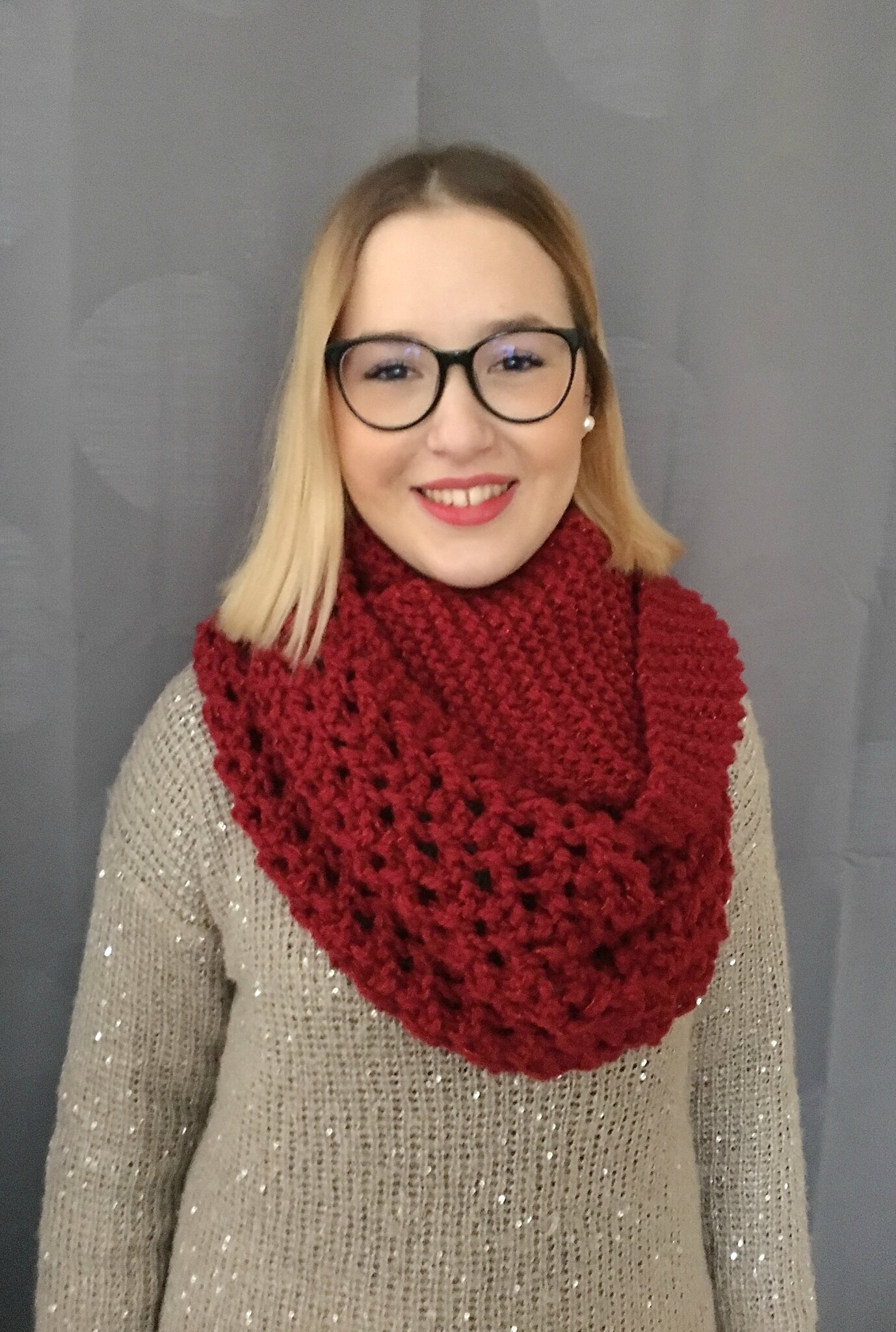 Lily Red Snood