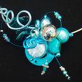 collier tour de cou bleu et argent