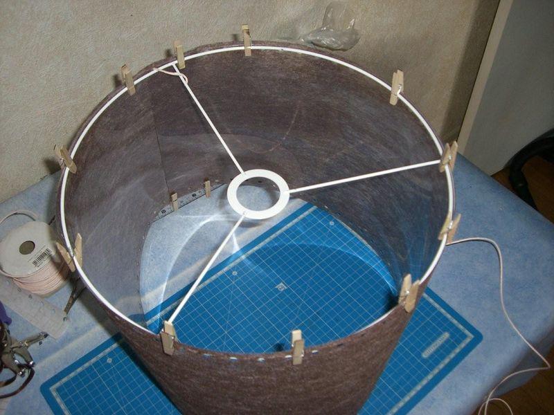 De la lumi re une id e tout droit sortie d 39 une bouclette - Fabriquer une suspension luminaire ...
