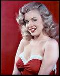 1948_sexy_marilyn_in_lingerie_030_010_byLazlo_Willinger_2