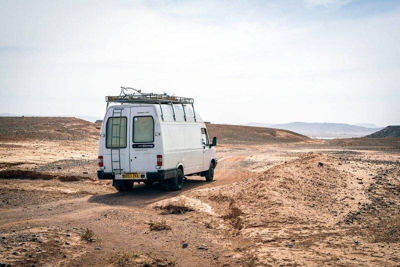 camionnette-aménagée-désert