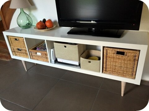 etag re ikea transform e en meuble tv les petites cr ations de ruda. Black Bedroom Furniture Sets. Home Design Ideas