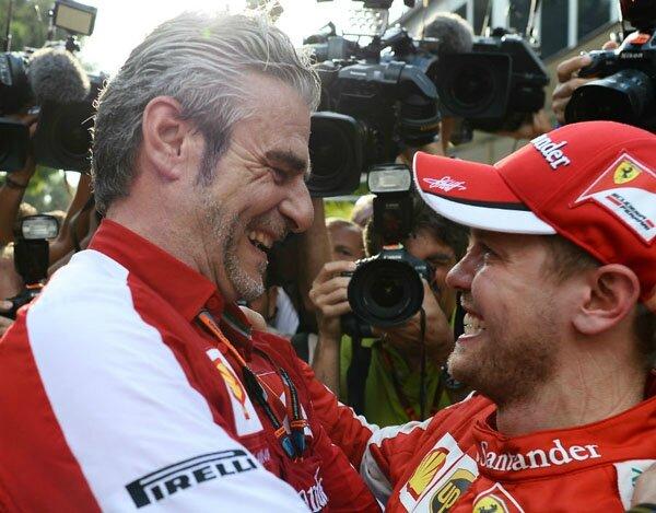 2015-Sepang-SF-15T-Arrivabene et Vettel
