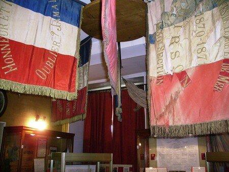 La_salle_des_drapeaux