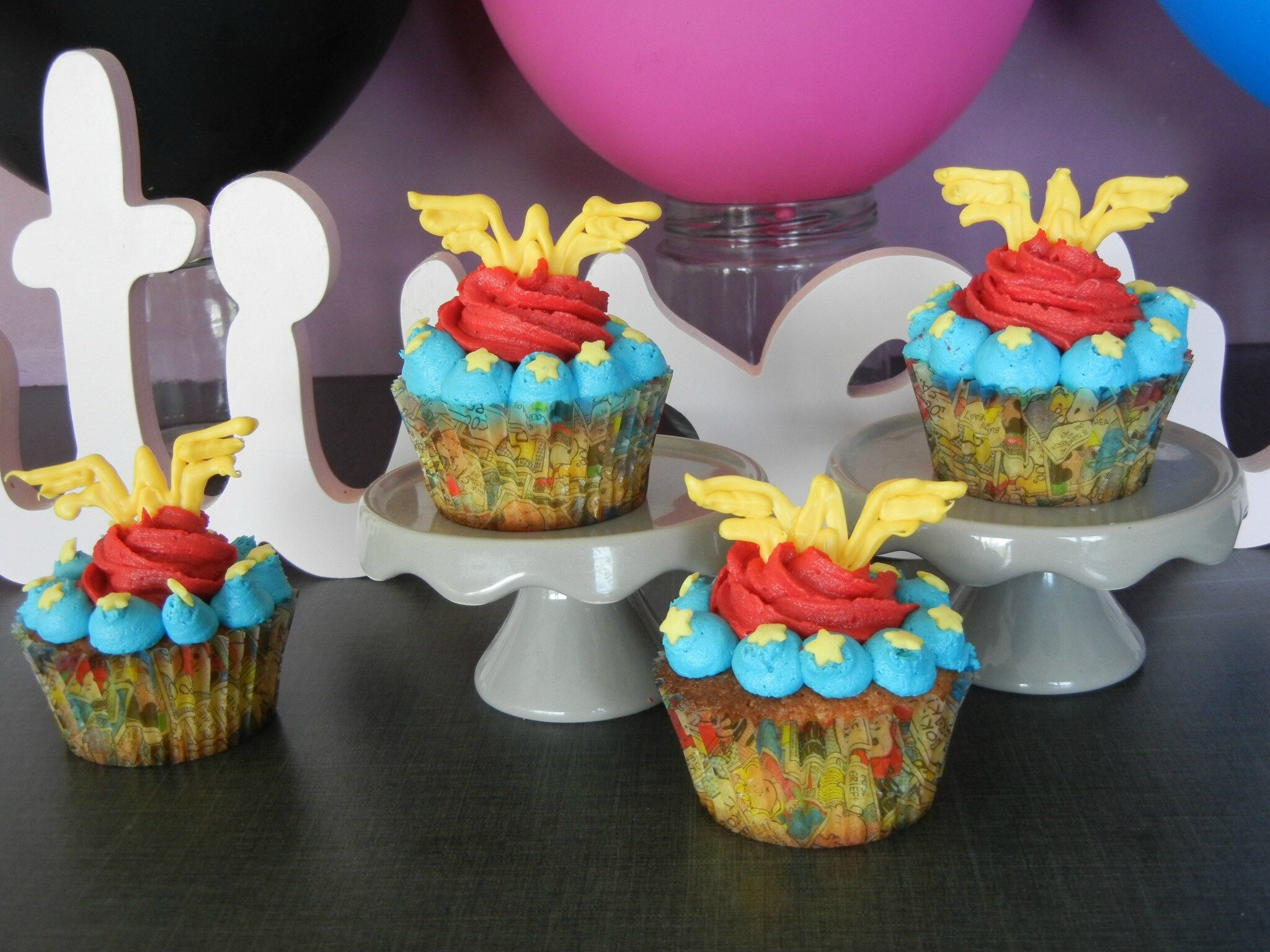 Cupcakes Wonder Woman - déco facile