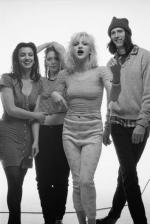 courtney_love-1993-by_kevin_cummins-3-hole-1