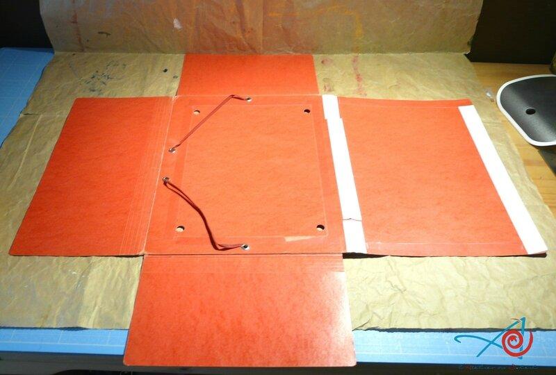 Pochette cartonnée rouge (Copier)