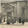 03 - VICHY - Eglise Saint Louis - Sortie de la messe
