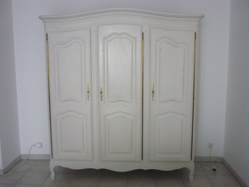 armoire merisier relook e effet vieilli cir e decor 39 in id es conseils. Black Bedroom Furniture Sets. Home Design Ideas