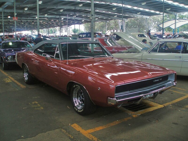 1968_Dodge_Charger_(5149950353)