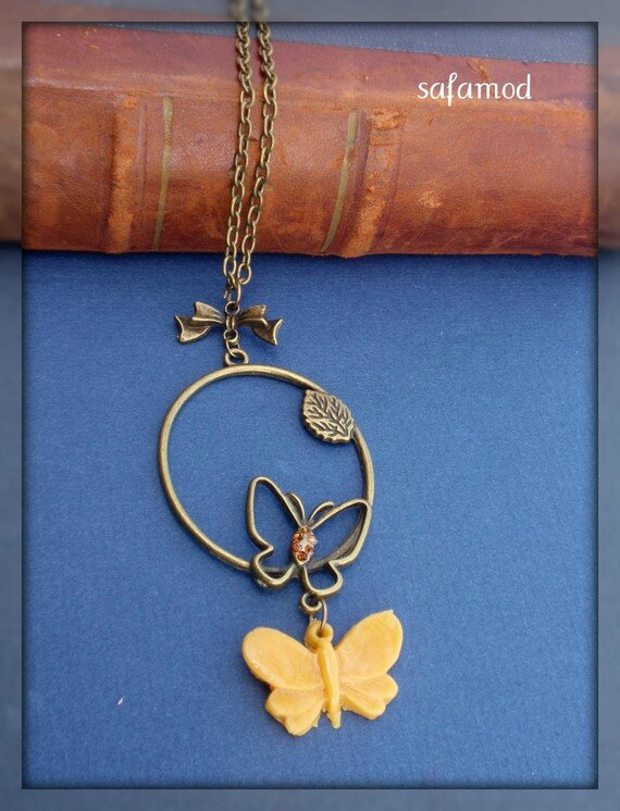 collier-collier-grand-pendentif-papillon-bronze