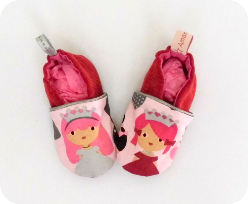 Chaussons velours passepoilé Princesses